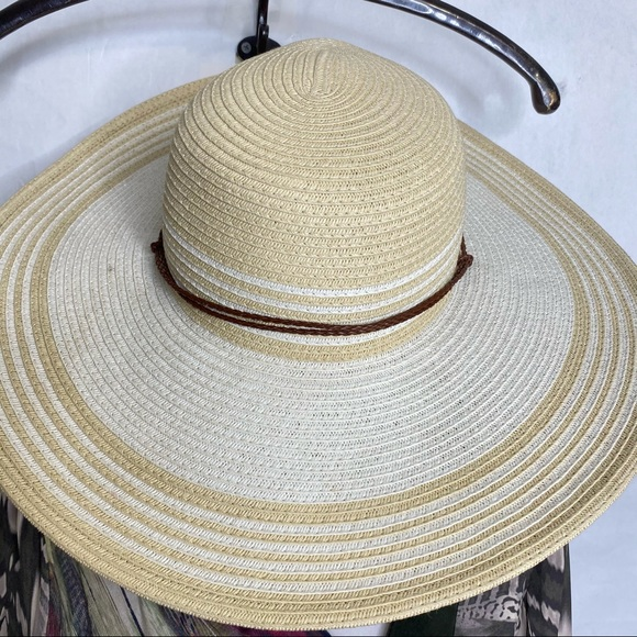 Jones of New York Brim Sun Straw Hat Chin Strap
